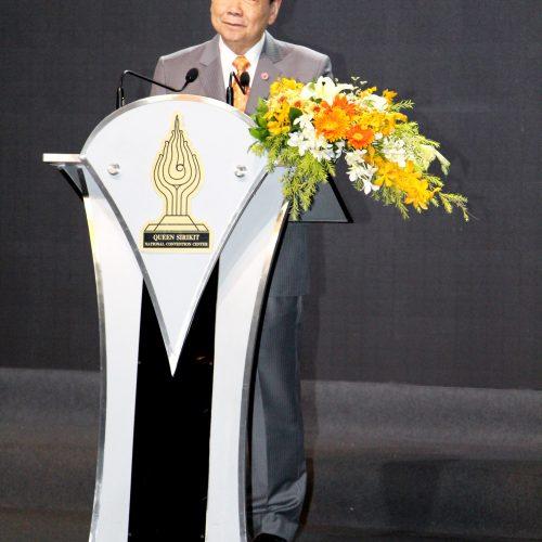 """รางวัล Chairman Award ในงานมหกรรมนวัตกรรมบัวบาน 2559 จาก """"โครงการ บันไดสู่ SME เงินล้าน"""" หนึ่งในความภูมิใจของ ทเวนตี้โฟร์ ช้อปปิ้ง"""