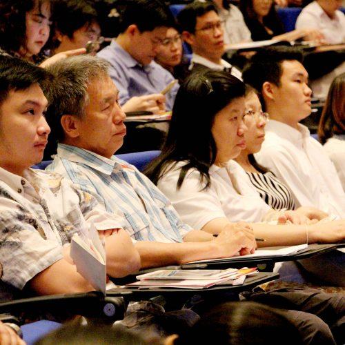 """ทเวนตี้โฟร์ ช้อปปิ้ง เข้าร่วม CP ALL – PIM SMEs FORUM 2017 ในหัวข้อสัมมนา """" ติดปีก SMEs สู่ประเทศไทย 4.0 """""""